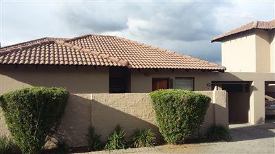 Centurion, Heuwelsig Estate Property  | Houses For Sale Heuwelsig Estate, Heuwelsig Estate, Townhouse 3 bedrooms property for sale Price:930,000