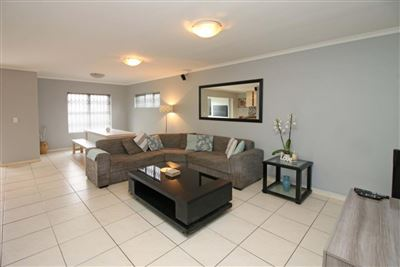 Brackenfell, Ruwari Property  | Houses For Sale Ruwari, Ruwari, House 2 bedrooms property for sale Price:1,365,000
