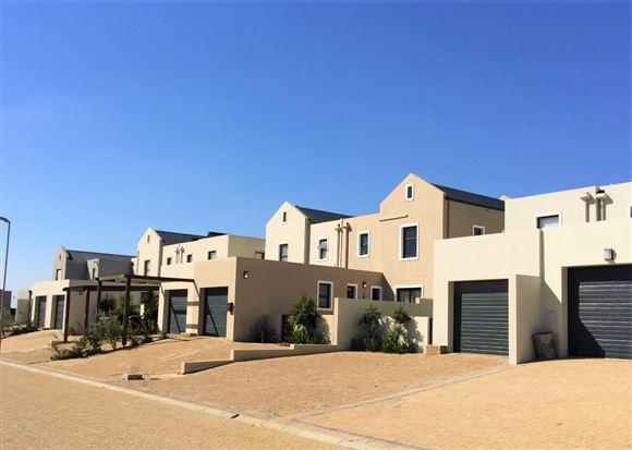 New Duplex in Country Estate