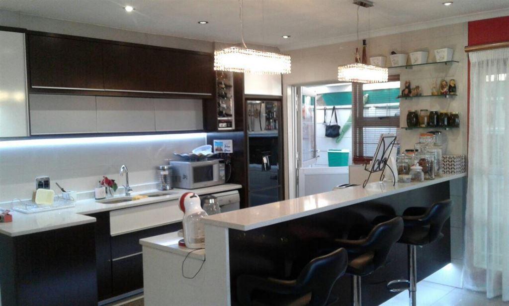 4 Bedrooms, 2 Bathrooms - Bernadino Heights, Kraaifontein