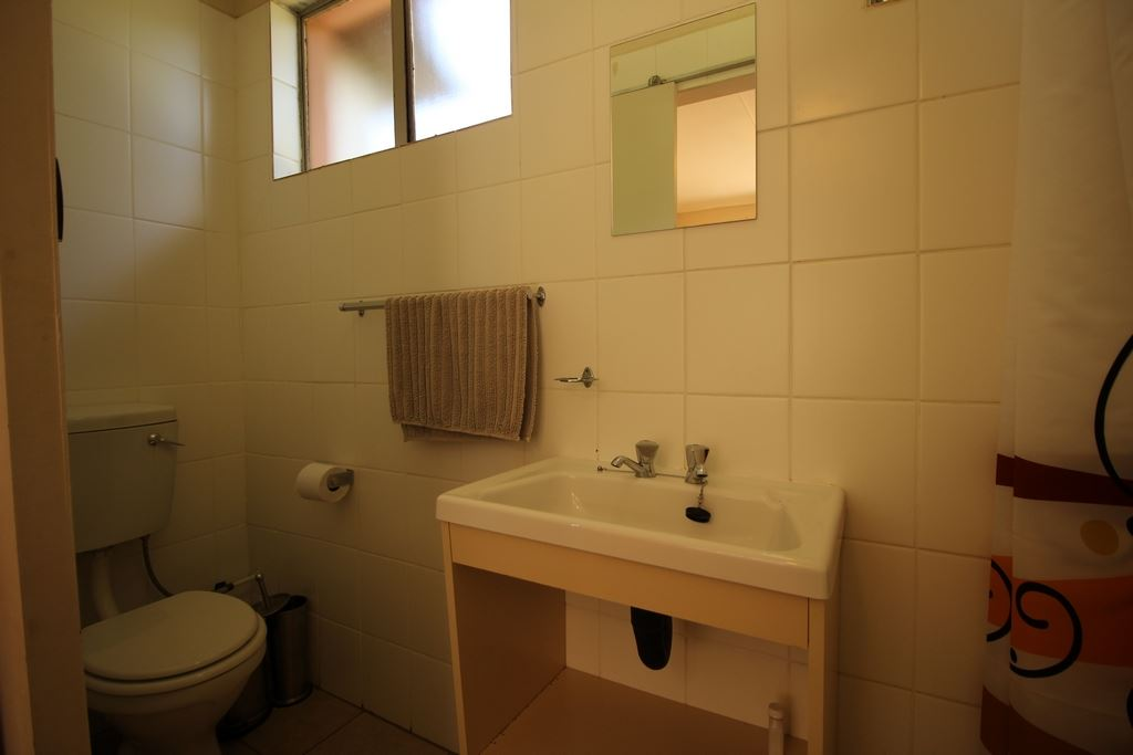 En suite of Single unit
