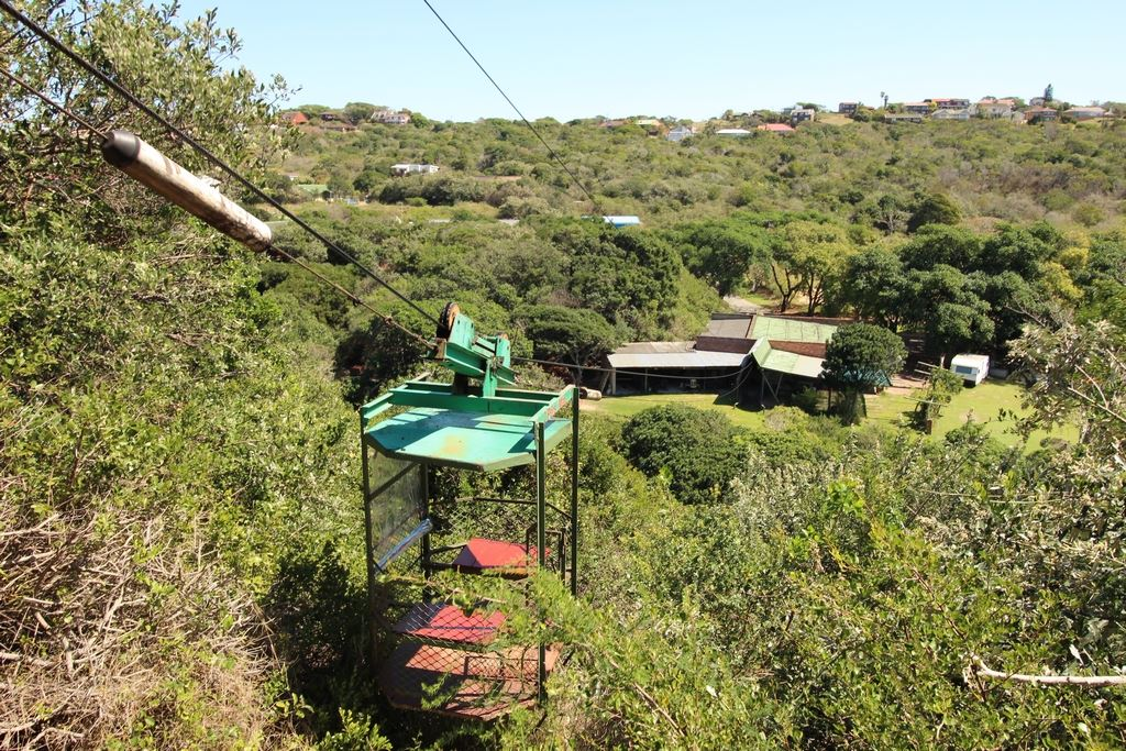 The cable car is the only access to the lodge on top of the dune