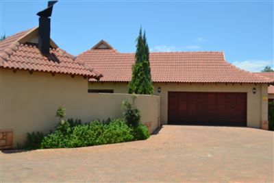 Potchefstroom, Van Der Hoff Park And Ext Property  | Houses For Sale Van Der Hoff Park And Ext, Van Der Hoff Park And Ext, Townhouse 3 bedrooms property for sale Price:1,750,000