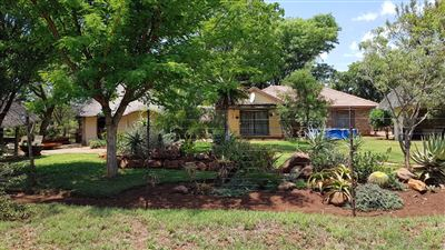 Rustenburg And Ext property for sale. Ref No: 13565579. Picture no 2