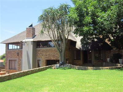 Property and Houses for sale in Moreletapark, House, 3 Bedrooms - ZAR 2,595,000