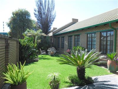 Property and Houses for sale in Witbank Xx Ext, Townhouse, 3 Bedrooms - ZAR 930,000