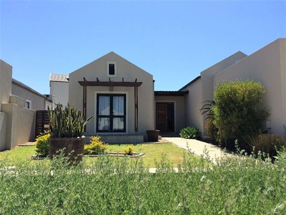 Cosy Home Offering Fantastic Value in Somerset West