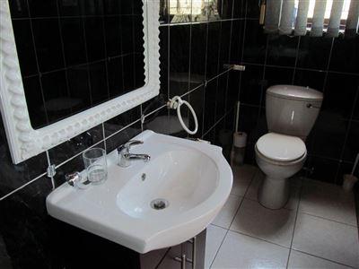 Umtentweni property for sale. Ref No: 13568104. Picture no 19