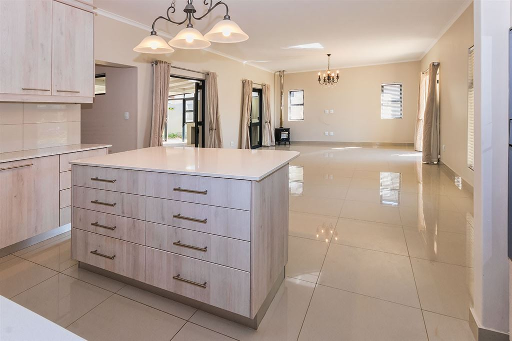 Space, Flexibility, and Modern Living in Somerset West