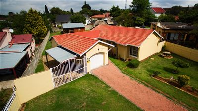 Roodepoort, Witpoortjie Property  | Houses For Sale Witpoortjie, Witpoortjie, House 3 bedrooms property for sale Price:1,099,000
