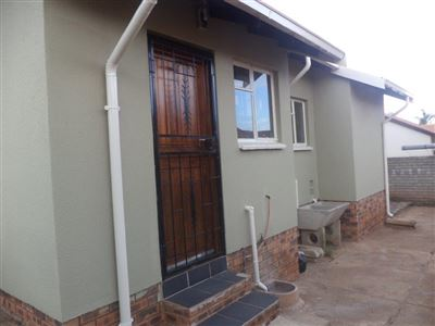 Tlhabane West property for sale. Ref No: 13568677. Picture no 21