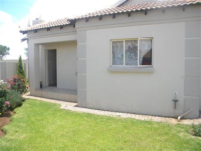 Witbank, Hoeveld Park Property  | Houses For Sale Hoeveld Park, Hoeveld Park, Townhouse 3 bedrooms property for sale Price:940,000