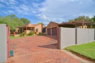 Roodepoort, Roodekrans Property  | Houses For Sale Roodekrans, Roodekrans, House 3 bedrooms property for sale Price:1,475,000