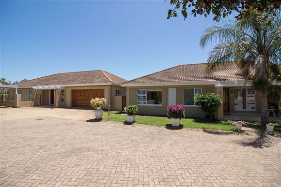 Three Bedroom Two Bathroom Townhouse in Port Alfred