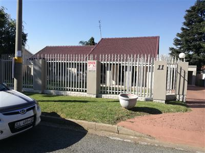 Property and Houses for sale in Randhart, House, 3 Bedrooms - ZAR 2,595,000