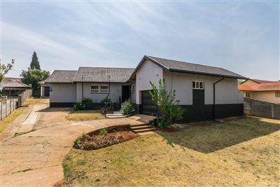 Witpoortjie property for sale. Ref No: 13569672. Picture no 1