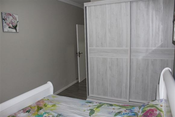 ... everyone just loves our bedroom closets