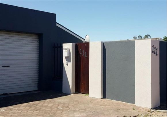3 Bedroom, double Garage Peerless Park North, Kraaifontein