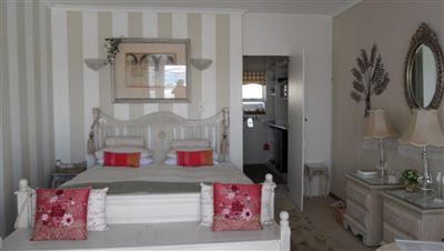 Yzerfontein property for sale. Ref No: 13573469. Picture no 11