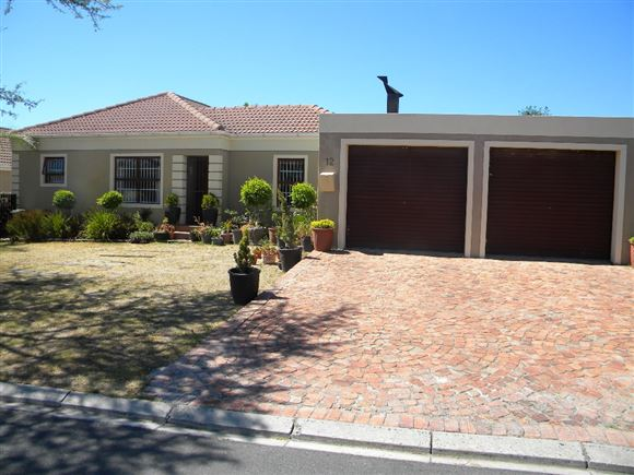 3 Bedroom House for Sale - Langeberg Heights, Kraaifontein