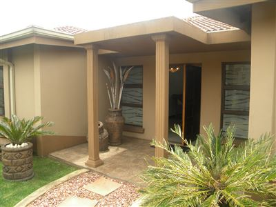 Property and Houses for sale in Reyno Ridge And Ext, Townhouse, 3 Bedrooms - ZAR 2,250,000