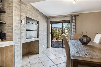 Vredekloof Heights property for sale. Ref No: 13574406. Picture no 8