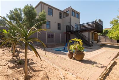 Vredekloof Heights property for sale. Ref No: 13574406. Picture no 22