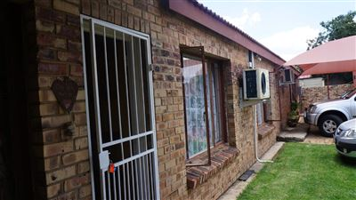 Potchefstroom Central property for sale. Ref No: 13574537. Picture no 31