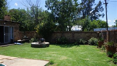 Potchefstroom Central property for sale. Ref No: 13574537. Picture no 32