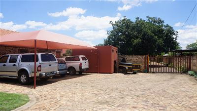 Potchefstroom Central property for sale. Ref No: 13574537. Picture no 3