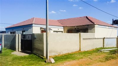 Soweto, Bram Fischerville Property  | Houses For Sale Bram Fischerville, Bram Fischerville, House 3 bedrooms property for sale Price:600,000