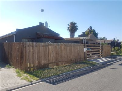 Kraaifontein, Bonnie Brae Property    Houses For Sale Bonnie Brae, Bonnie Brae, House 4 bedrooms property for sale Price:1,375,000