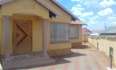 Rustenburg, Tlhabane West Property  | Houses For Sale Tlhabane West, Tlhabane West, House 3 bedrooms property for sale Price:850,000