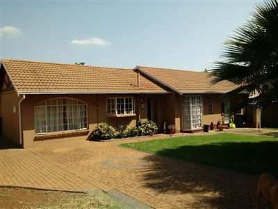 Centurion, Heuweloord Property  | Houses For Sale Heuweloord, Heuweloord, House 4 bedrooms property for sale Price:1,480,000