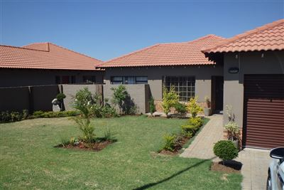 Rustenburg, Waterkloof East Property    Houses To Rent Waterkloof East, Waterkloof East, Townhouse 3 bedrooms property to rent Price:, 10,00*