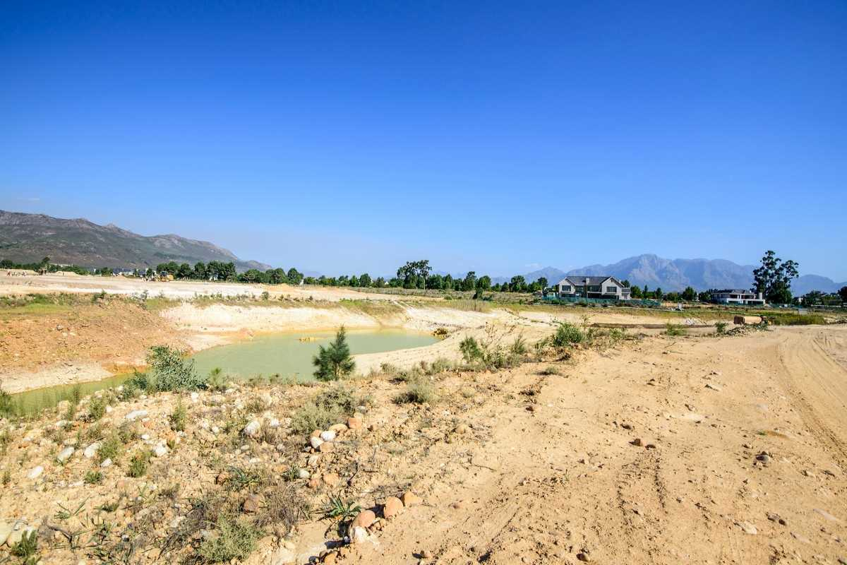 Prime waterfront plot in Pearl Valley