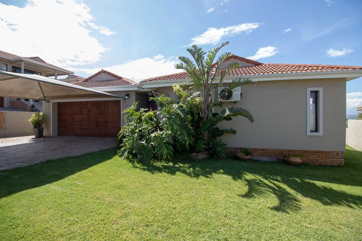 Three bedroom home with spectacular sea views in Port Alfred
