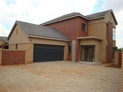 Potchefstroom, Van Der Hoff Park & Ext Property  | Houses For Sale Van Der Hoff Park & Ext, Van Der Hoff Park & Ext, House 3 bedrooms property for sale Price:2,280,000
