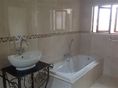 Morehill property to rent. Ref No: 13580849. Picture no 31