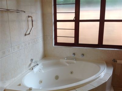 Farrarmere property to rent. Ref No: 13580976. Picture no 25