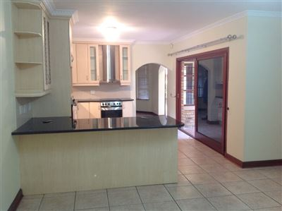 Farrarmere property to rent. Ref No: 13580976. Picture no 9