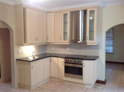 Farrarmere property to rent. Ref No: 13580976. Picture no 11