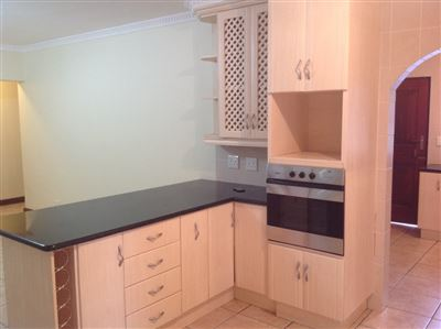 Farrarmere property to rent. Ref No: 13580976. Picture no 12