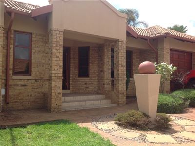 Farrarmere property to rent. Ref No: 13580976. Picture no 2
