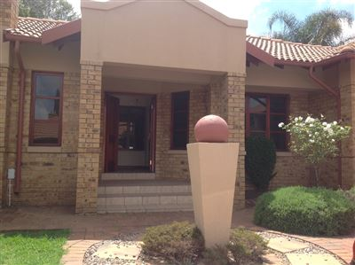 Farrarmere property to rent. Ref No: 13580976. Picture no 3