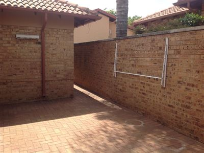 Farrarmere property to rent. Ref No: 13580976. Picture no 35