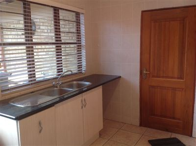 Farrarmere property to rent. Ref No: 13580976. Picture no 14