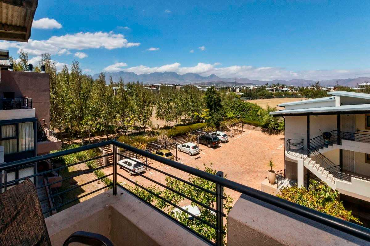 2 Bedroom apartment close to all amenities in Somerset West