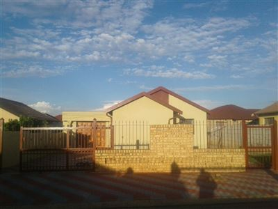 Property and Houses for sale in Mabopane, House, 3 Bedrooms - ZAR 550,000