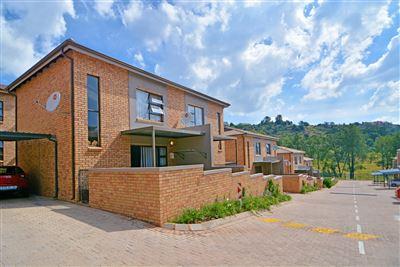 Roodepoort, Helderkruin Property    Houses For Sale Helderkruin, Helderkruin, Townhouse 2 bedrooms property for sale Price:880,000